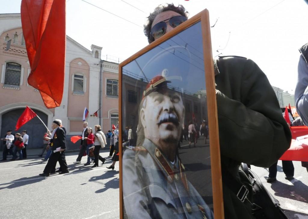 Stalin-era May Day parade revived by Putin